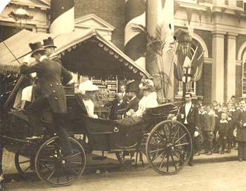 The Prince and Princess of Wales (later King George V and Queen Mary) arrive to open the Society's headquarters, which was formerly the old Kennington Town Hall building. The Society always benefited from the support and patronage of the Royal Family.